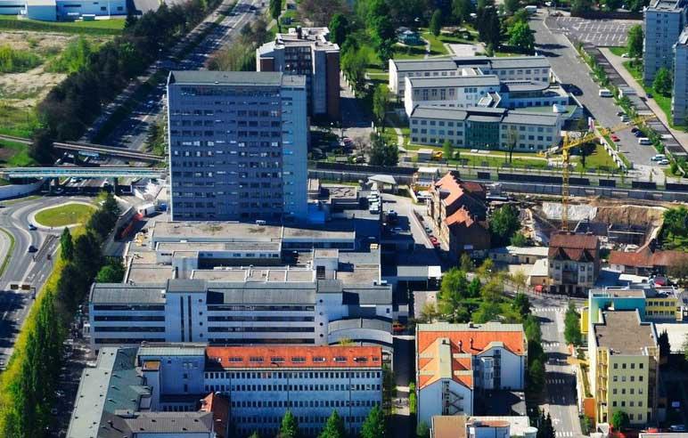 Omejitev obiskov v UKC Maribor