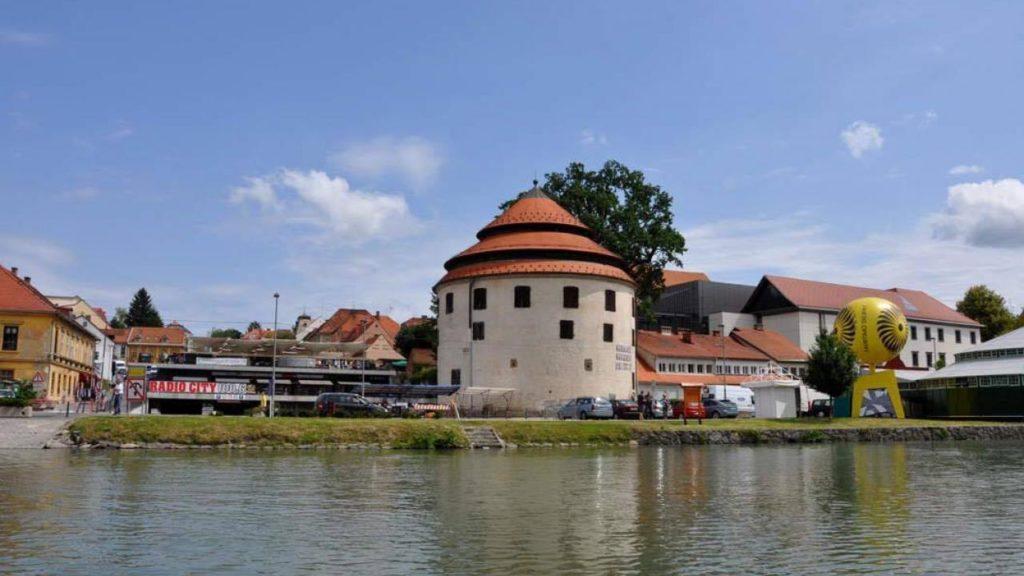 Sodni stolp kmalu z osveženo podobo