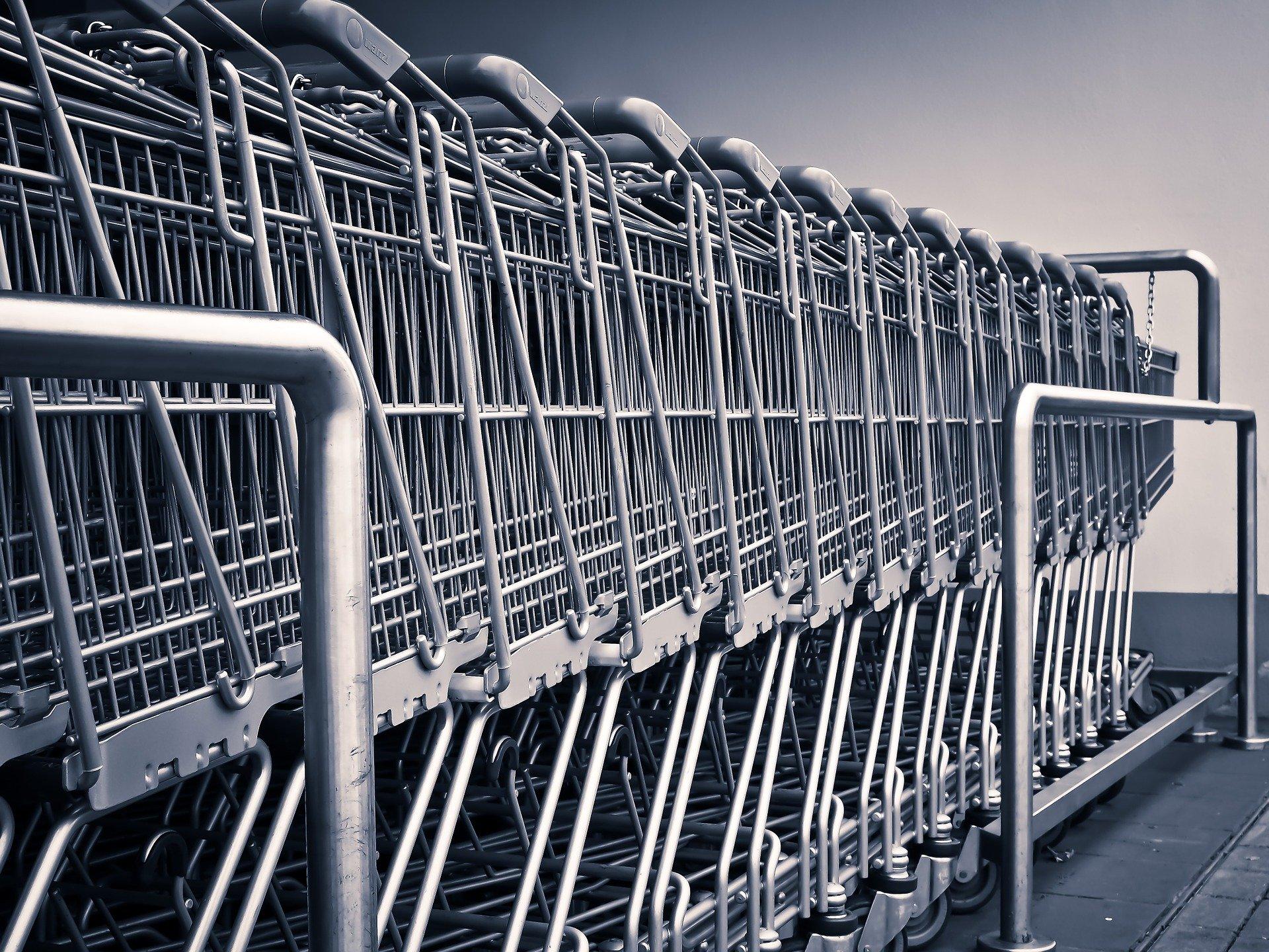 """""""Izredno"""" potrošništvo v času pandemije"""