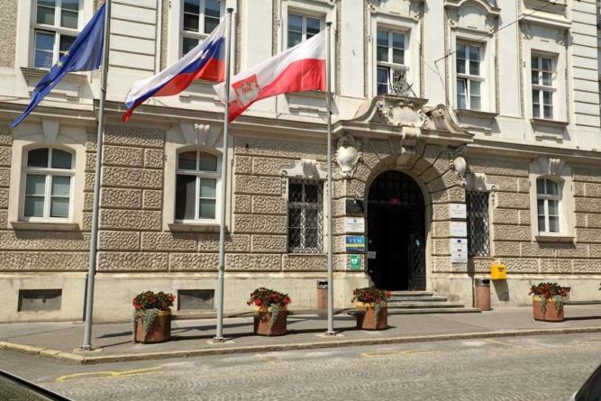 Zavod za turizem naj bi s 1. novembrom ukinili