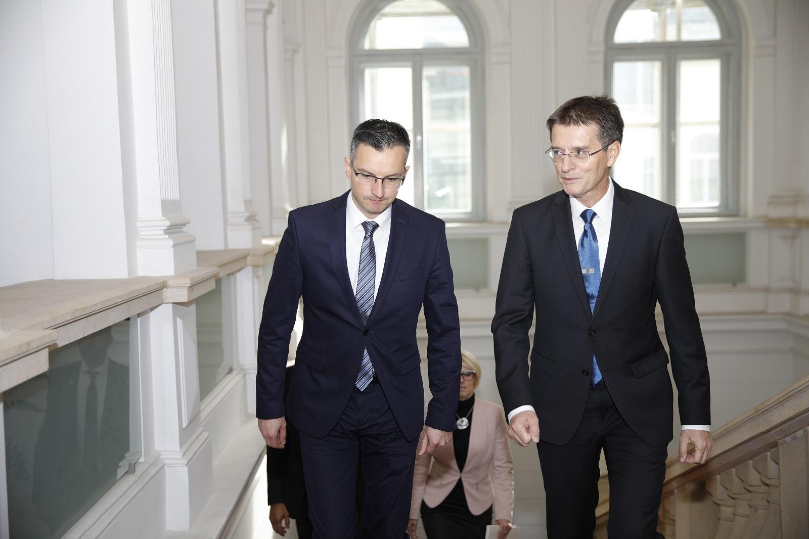 Premier Šarec podal odstopno izjavo