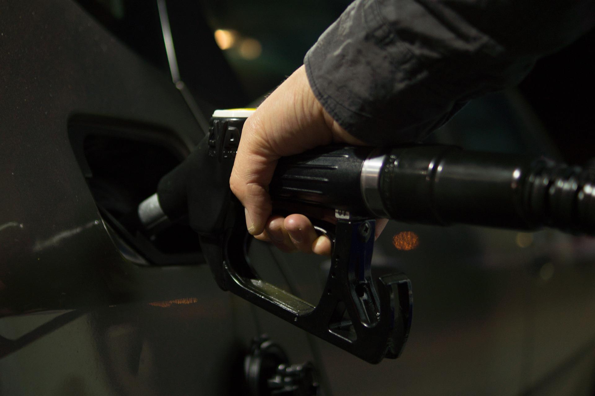 V Avstriji 20-odstotkov cenejše gorivo