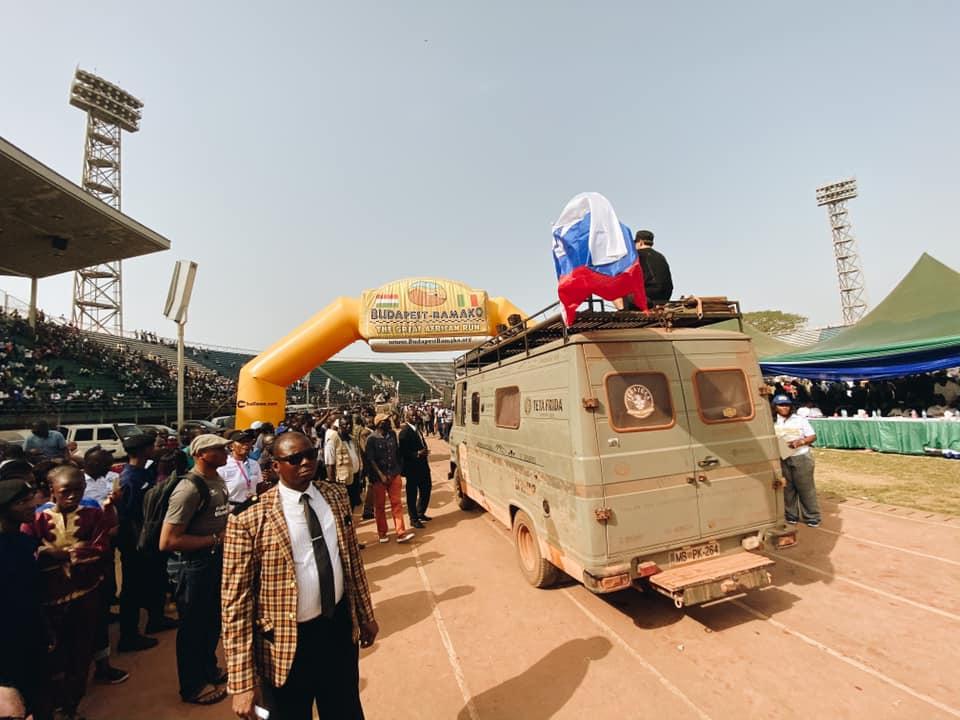 Düdu je zdržal, ekipa Seos Afrika uspešno do cilja