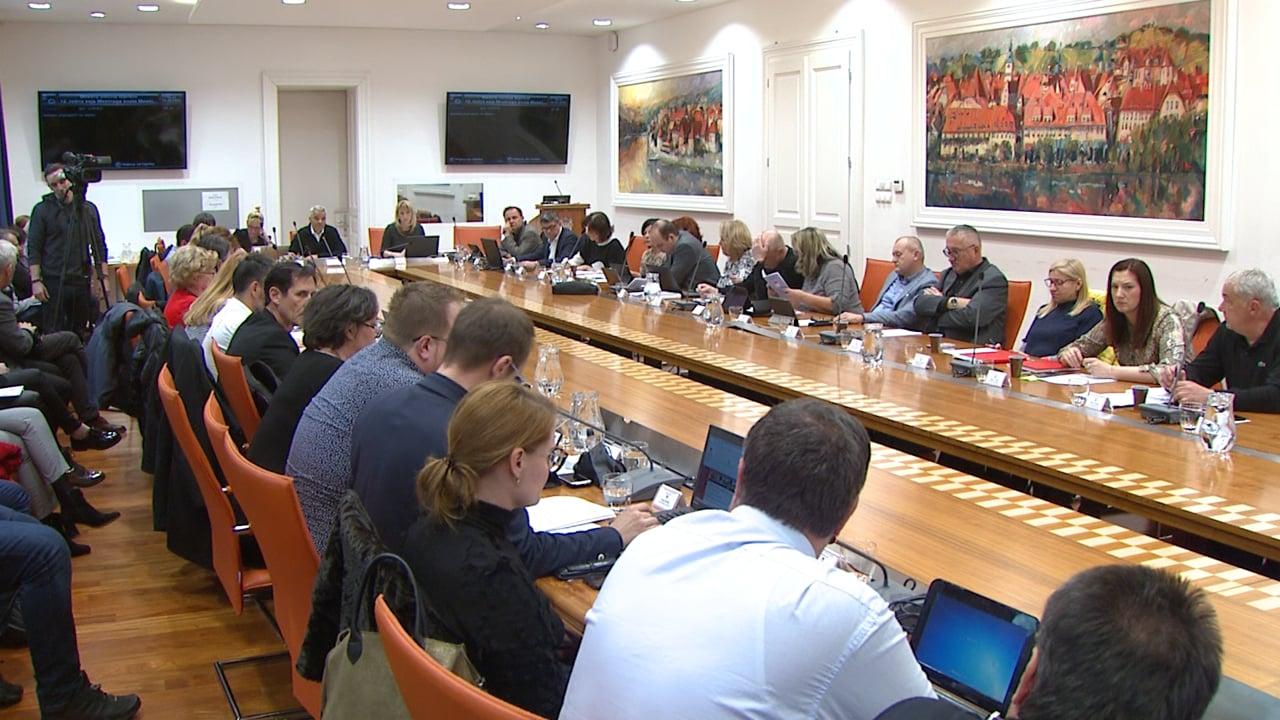 Svetniki na dopisni seji potrdili vse predlagane sklepe