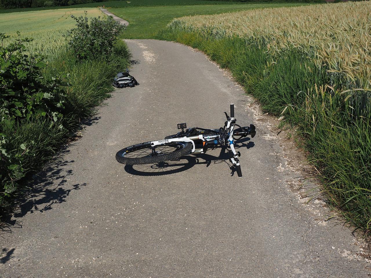 Smrt kolesarja ni posledica prometne nesreče