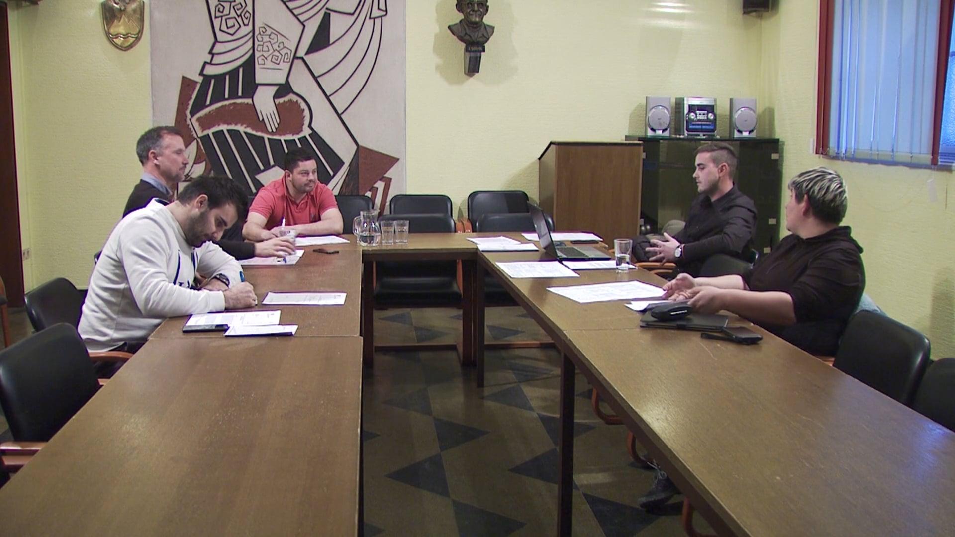 Svet zavoda podal negativno mnenje k razrešitvi