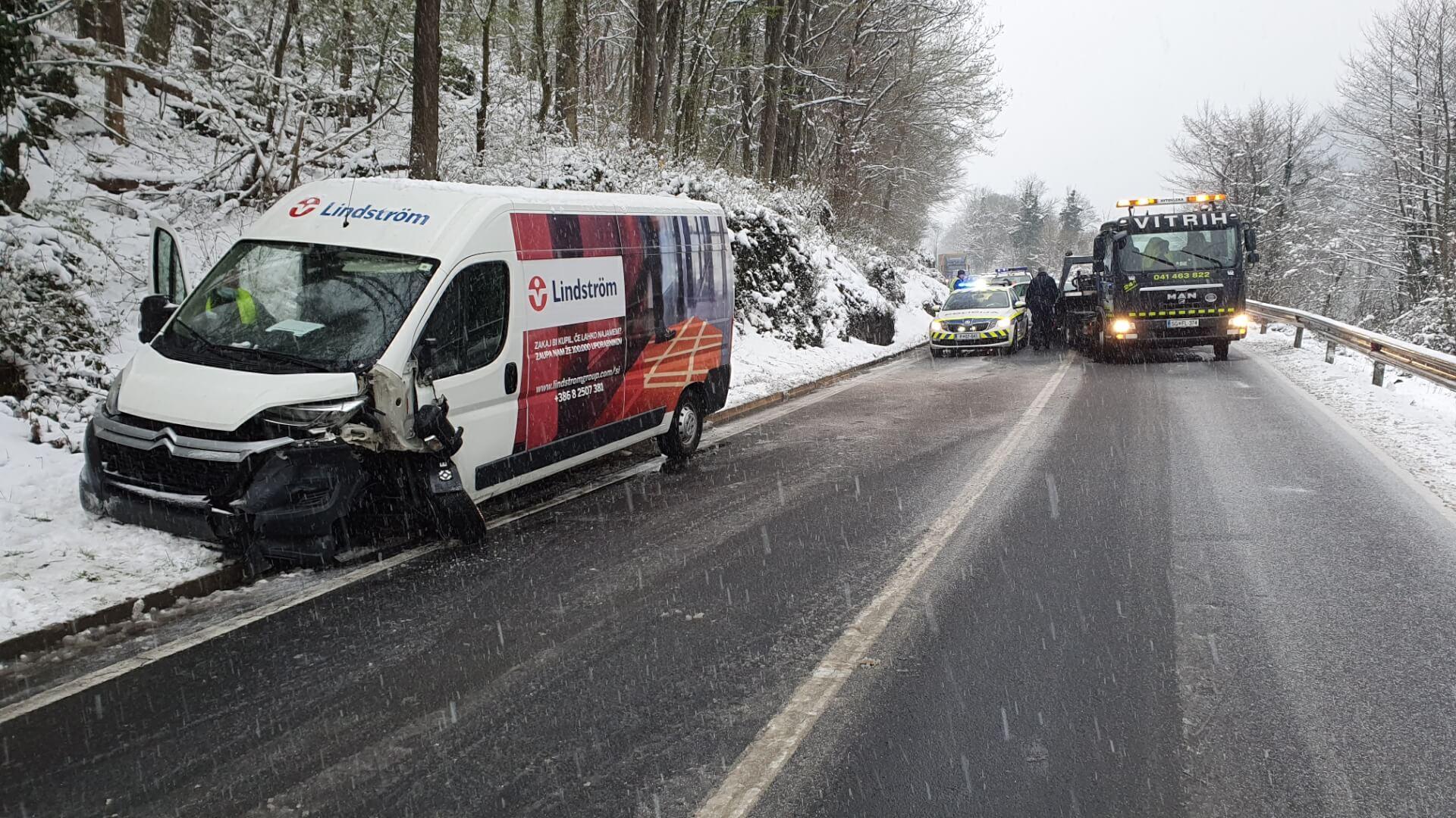 Policija opozarja na zimske razmere na cestah