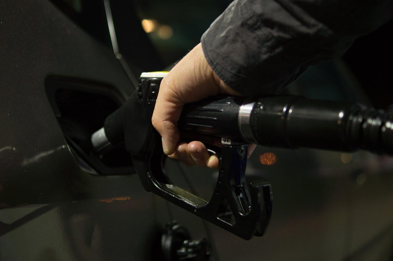 Cene goriv ostajajo nespremenjene