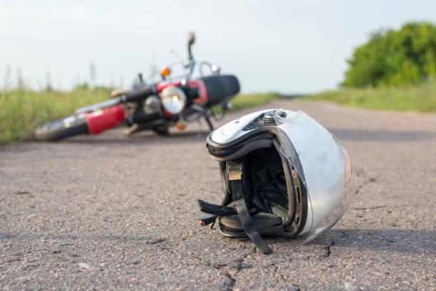 V nesreči umrl motorist