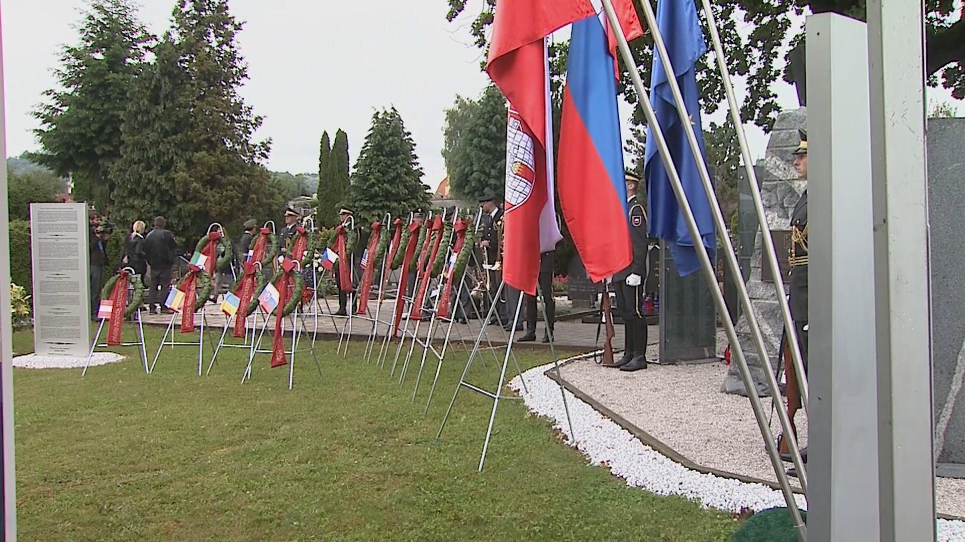 Slavnostna prireditev na Pobreškem pokopališču