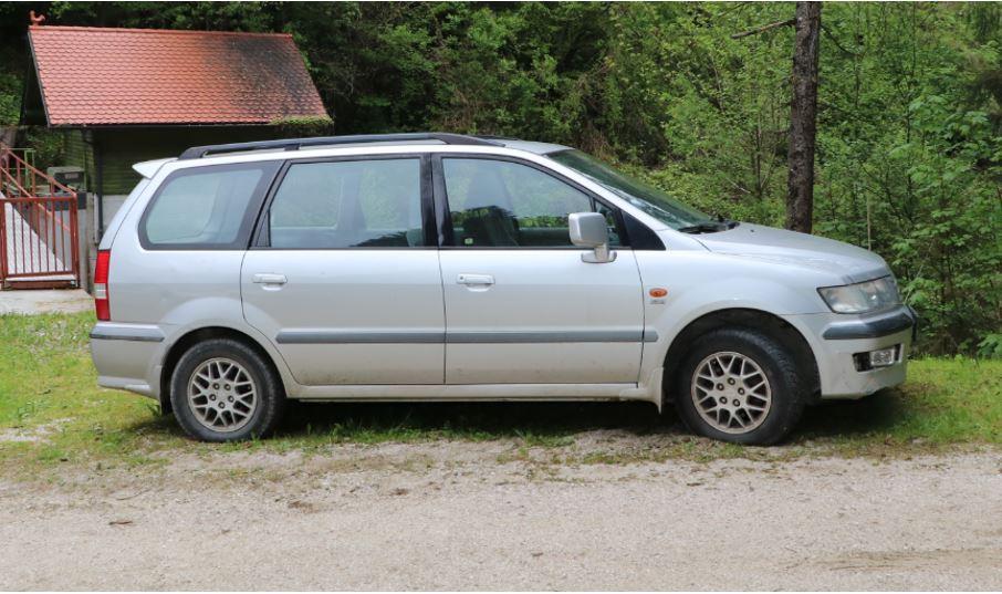 Prepoznate vozilo ali prikolico na fotografijah?