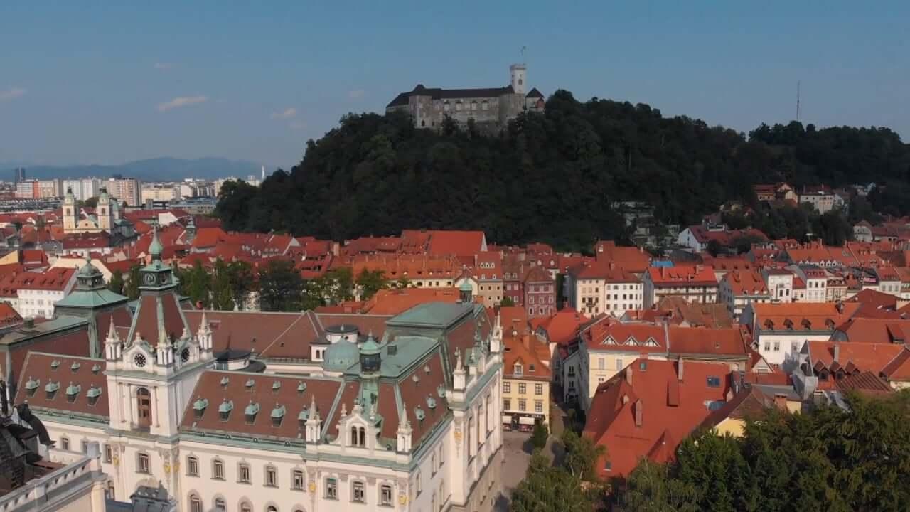 Slovenija med spregledanimi zgodbami o uspehu