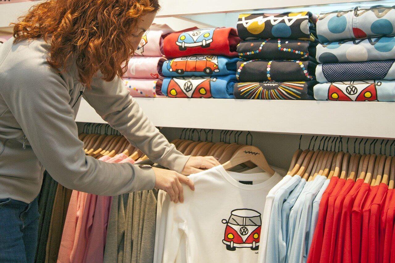 Pravila pri pomerjanju oblačil v trgovinah