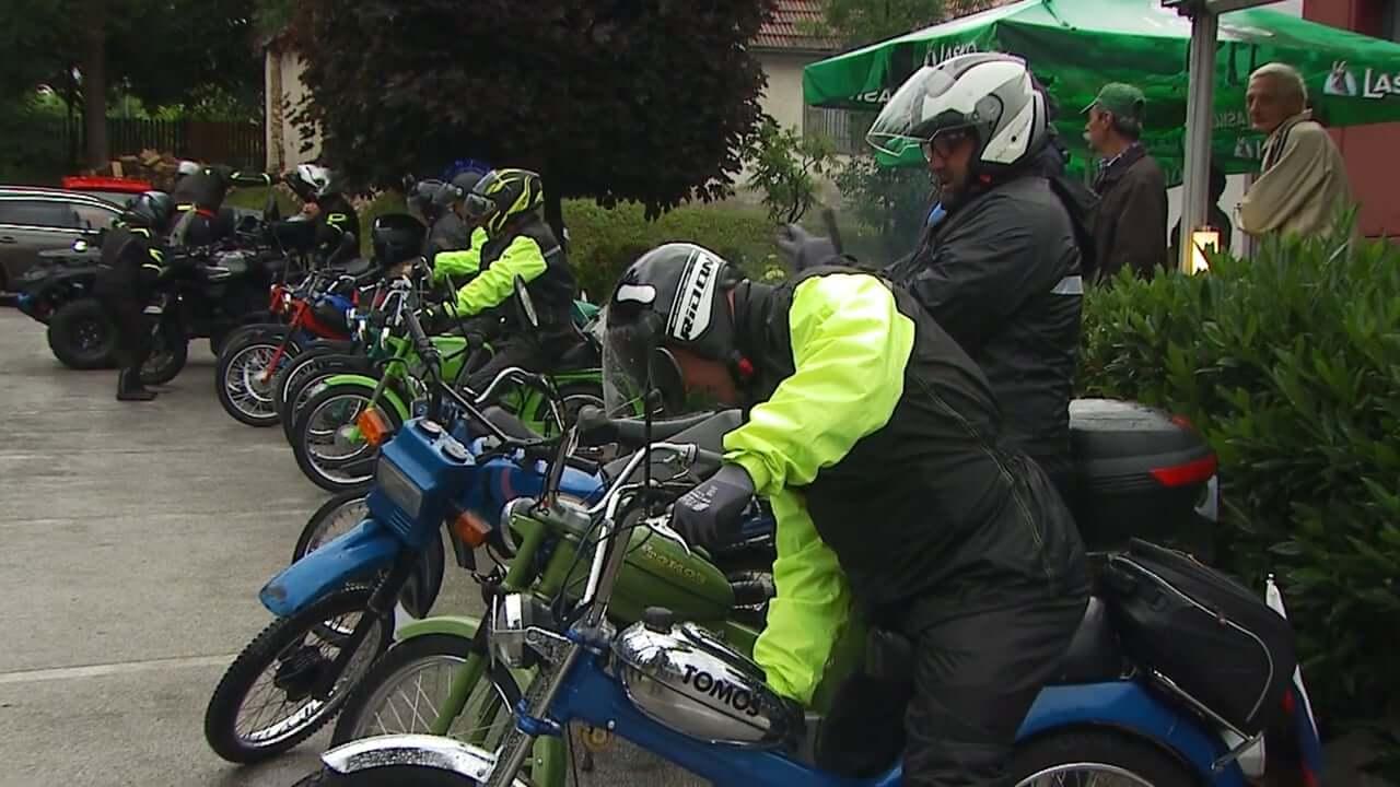 Z mopedi po Sloveniji